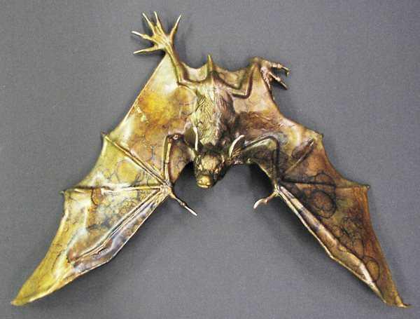 Wall Bat B