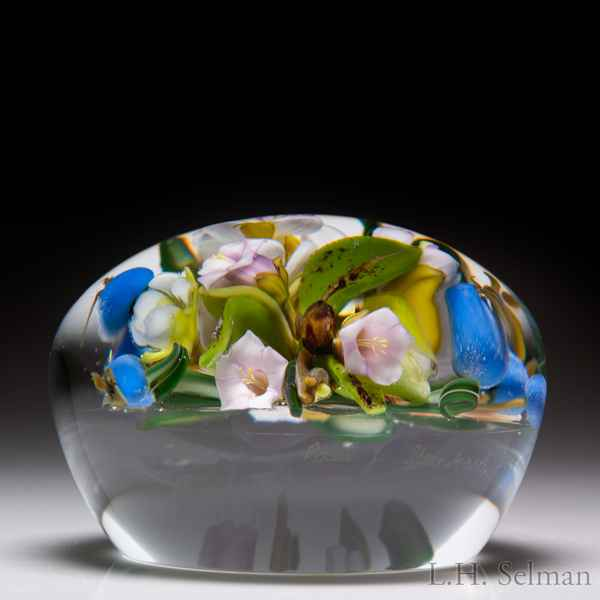 Paul Stankard 1986 arbutus and blueberries paperweight. by Paul Stankard*