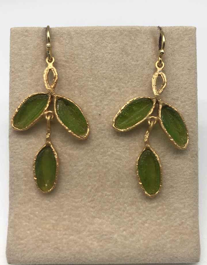 Sage 3 Leaf Wire Earrings in Leaf Green