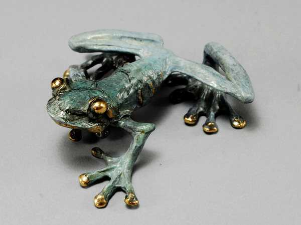 Frog A - Wall Mount