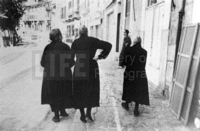 Three Women by  Alfred Eisenstaedt - Masterpiece Online