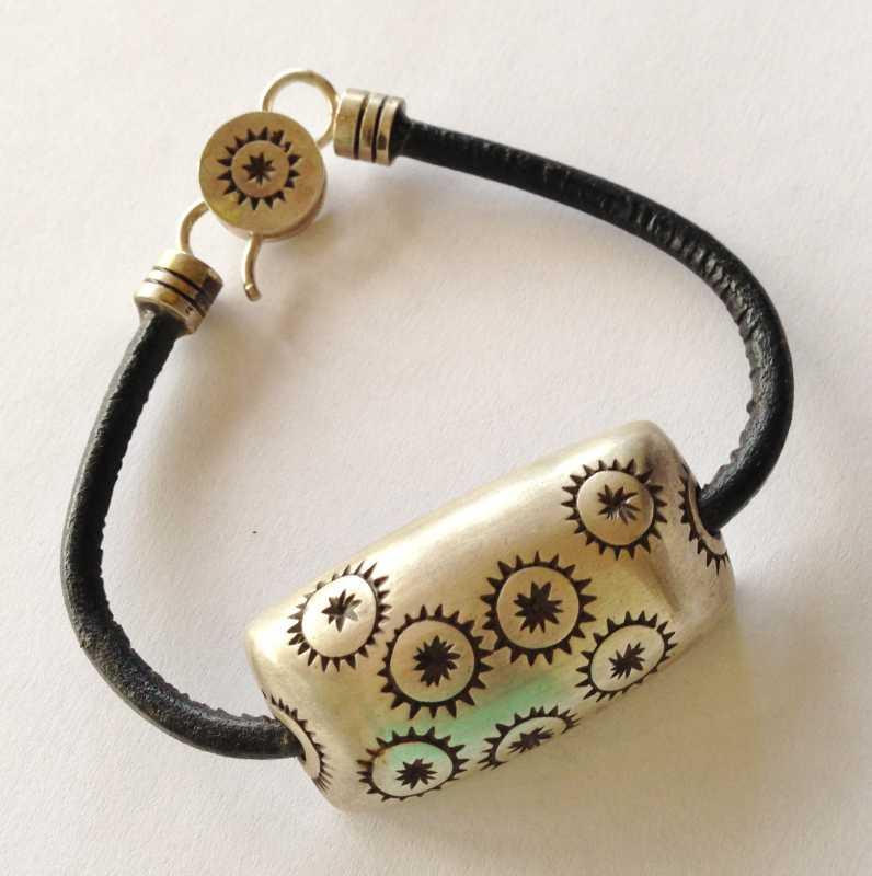 Kupe`e (bracelet) by  Marla Momi Musick - Masterpiece Online