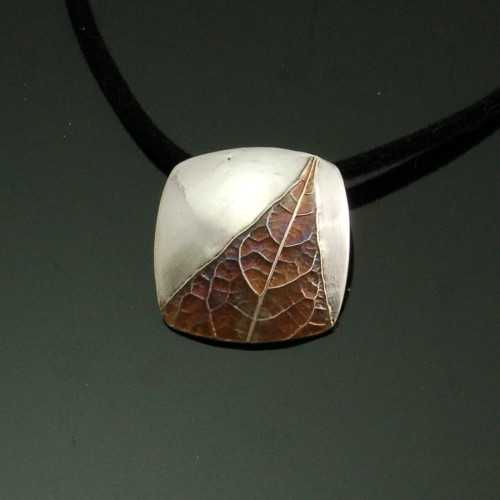 PRE1347 Pendant Fine ... by  Pam East - Masterpiece Online