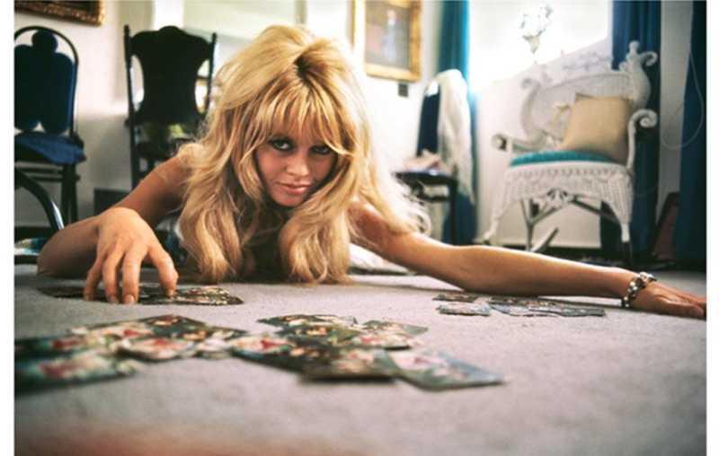 Brigitte Bardot, Mexi... represented  by  Douglas Kirkland