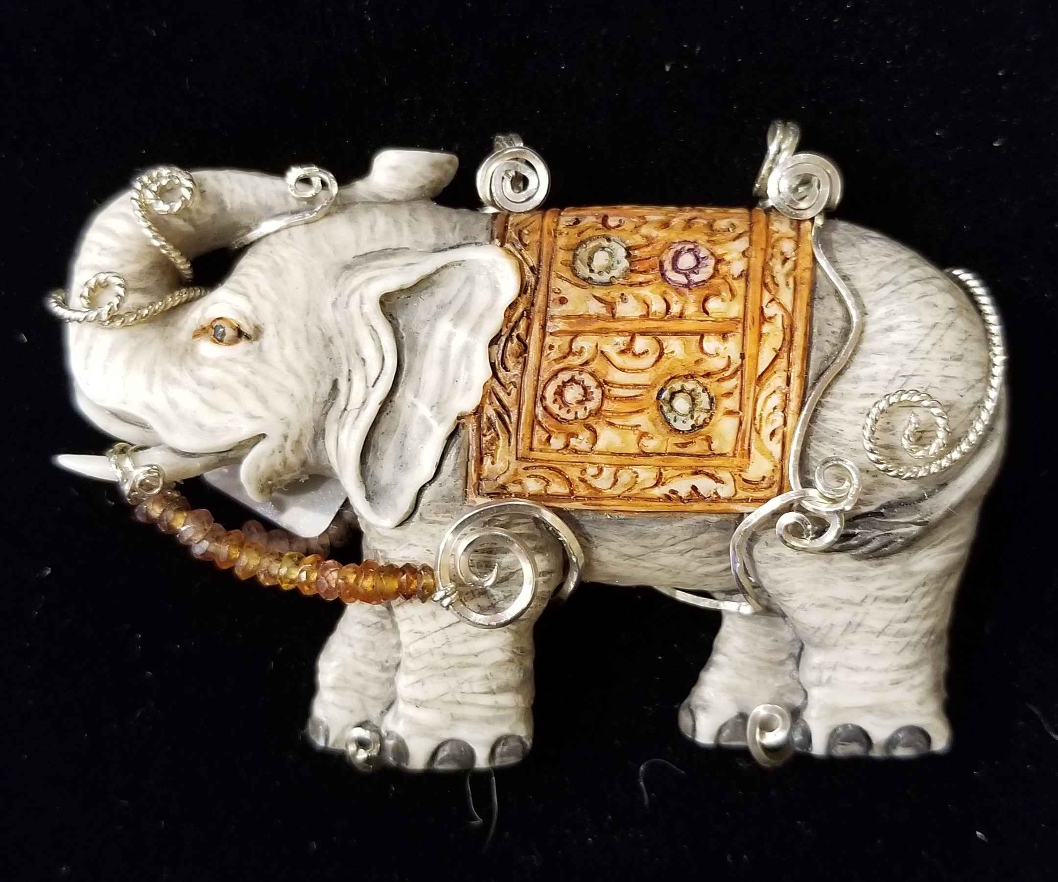 Wire-wrap Elephant by  Susan Tereba - Masterpiece Online