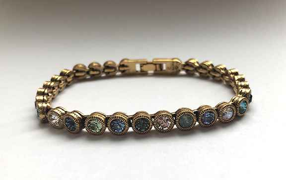 Game Set Match Bracelet in Gold, Zephyr