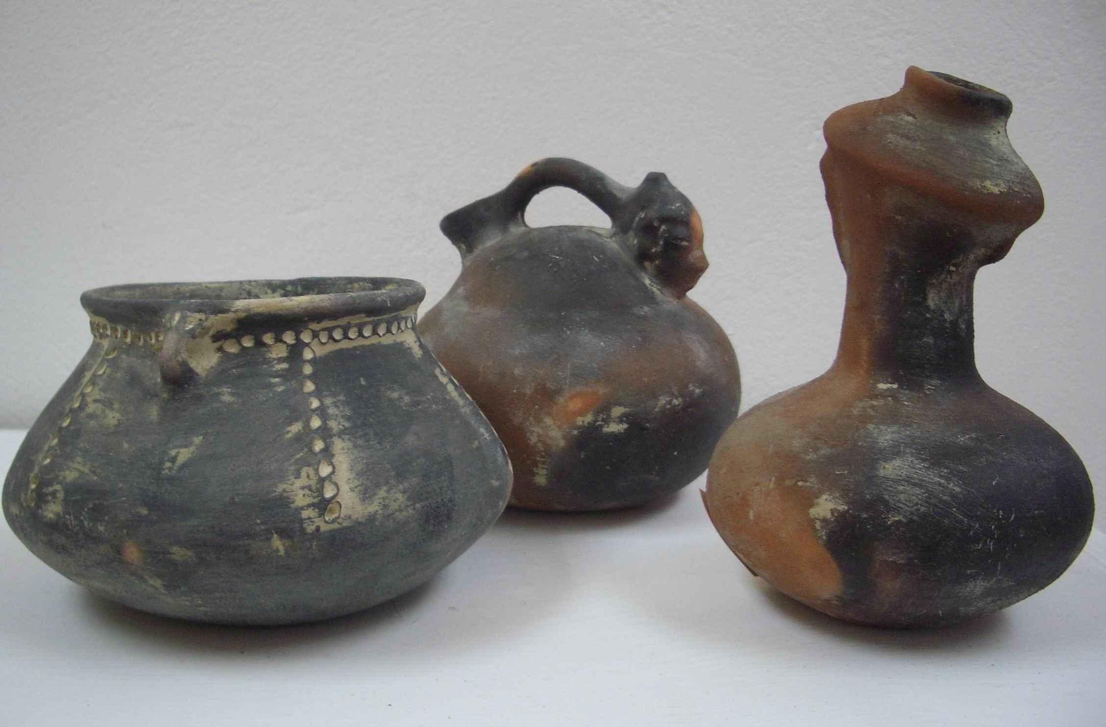Amerindian Pots by Ms Laura Ward - Masterpiece Online