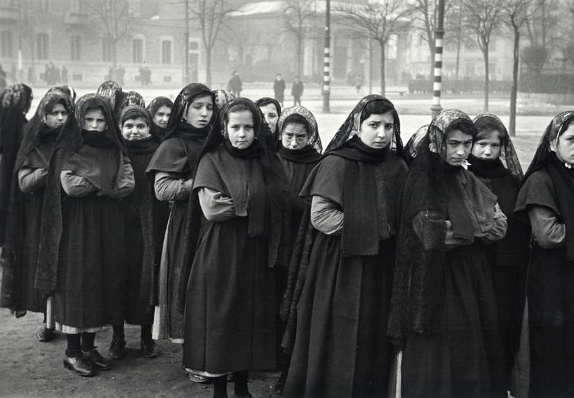 Young Nuns on their w... by  Alfred Eisenstaedt - Masterpiece Online