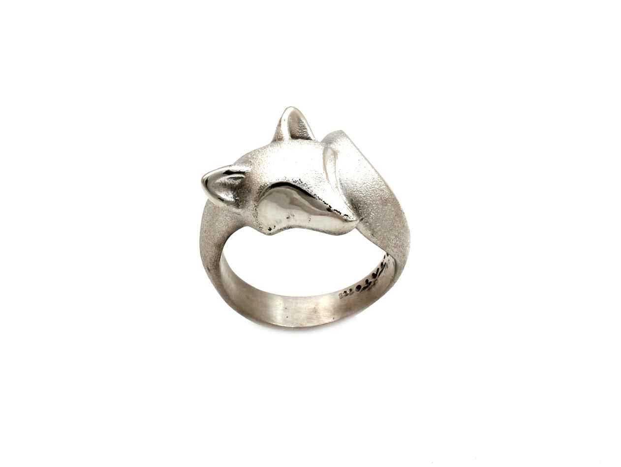 Smooth Fox Ring by  Michael Tatom - Masterpiece Online