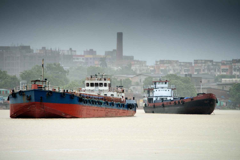 Le Gange à Calcutta by M. Gilbert BADAF - Masterpiece Online