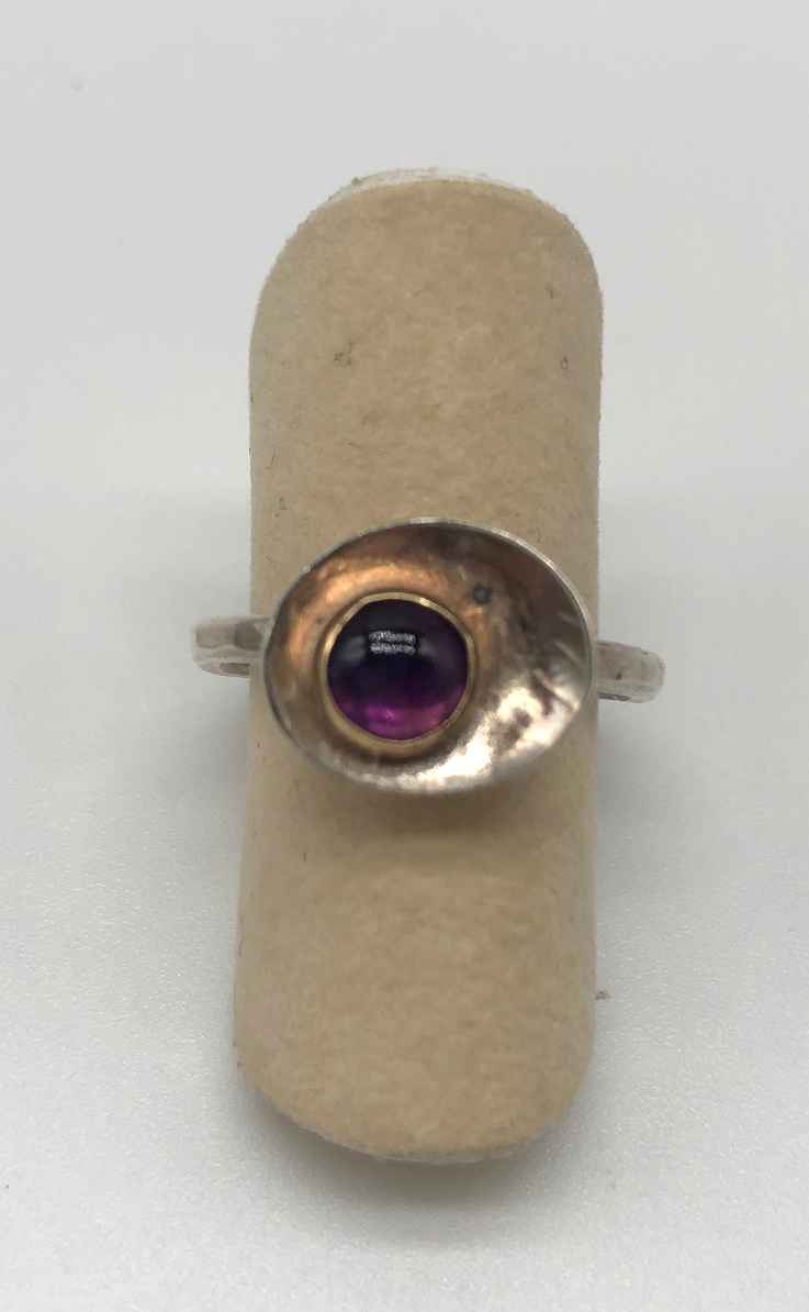 Ring Amethyst 14K gold setting