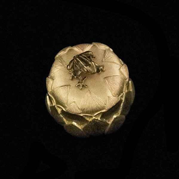 IGNORE Lotus Frog Box