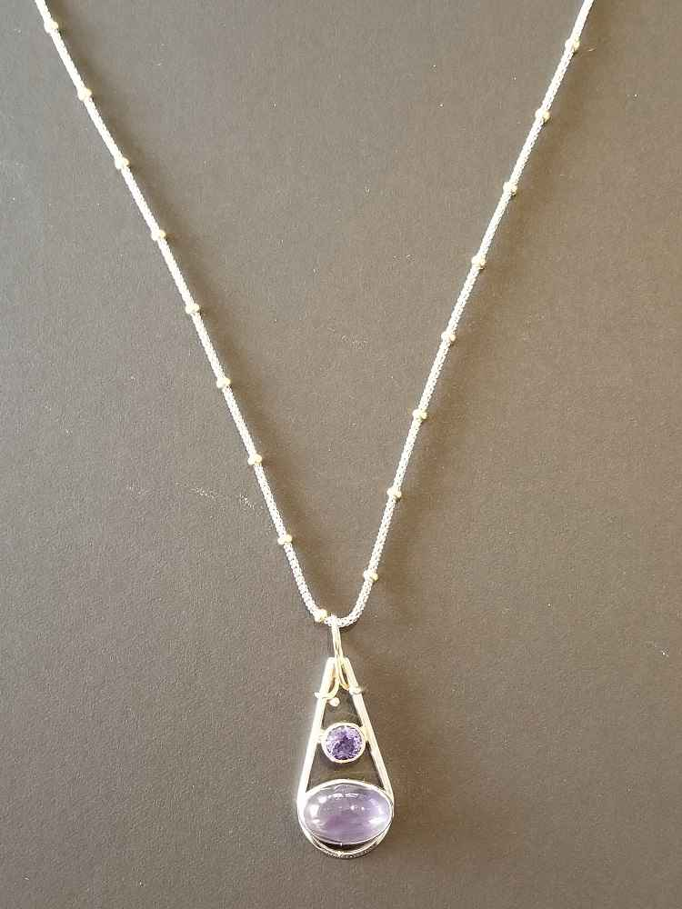 #85 Two-tone Chain by Ms. Catherine Laing - Masterpiece Online