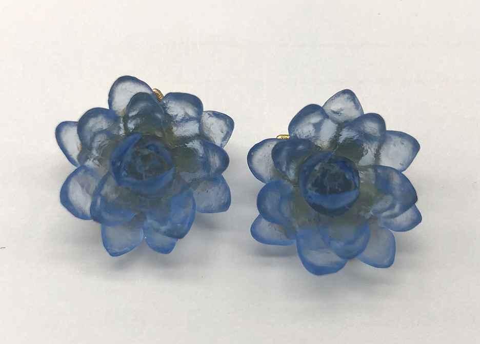 Lotus Flower Post Earrings 3/4