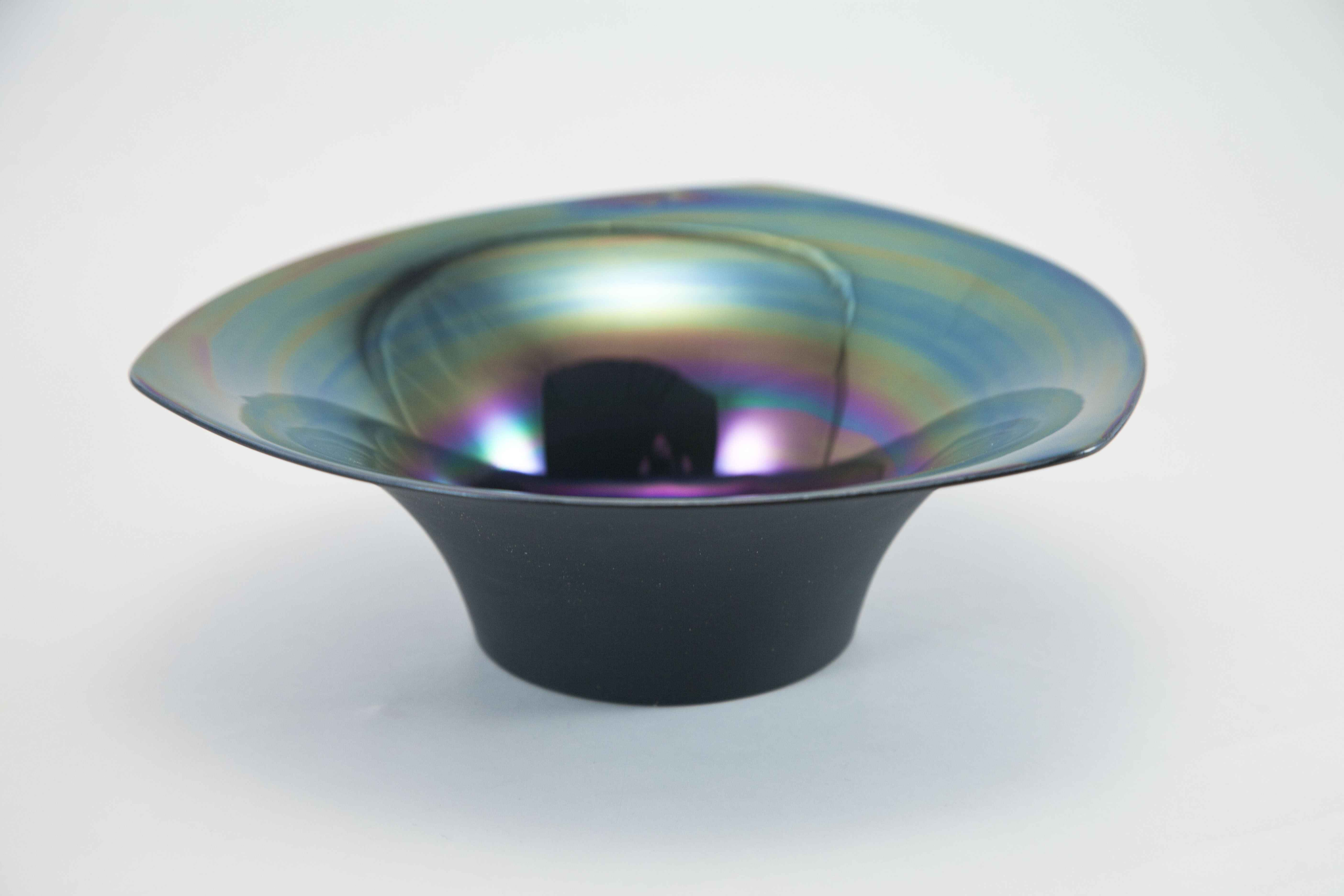 Large Bowl by  Kathleen Ryall - Masterpiece Online
