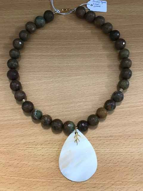 Facet Agate and Shell by Mrs Larissa Hale - Masterpiece Online
