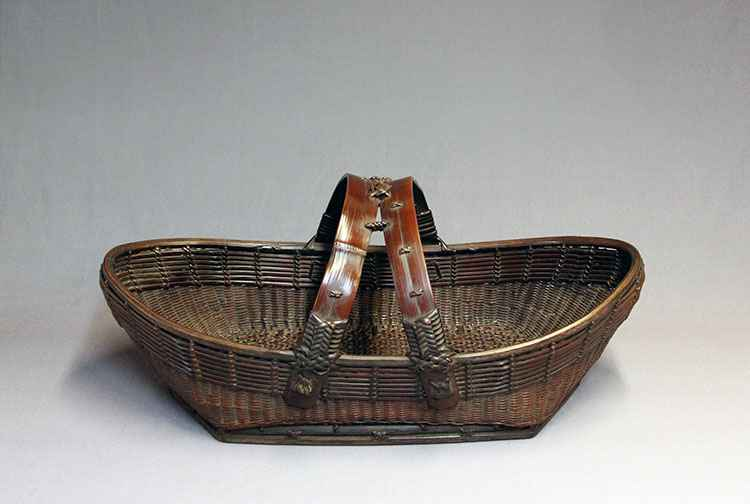 Unusual boat-shaped b...  by  Chikuhikosai  - Masterpiece Online