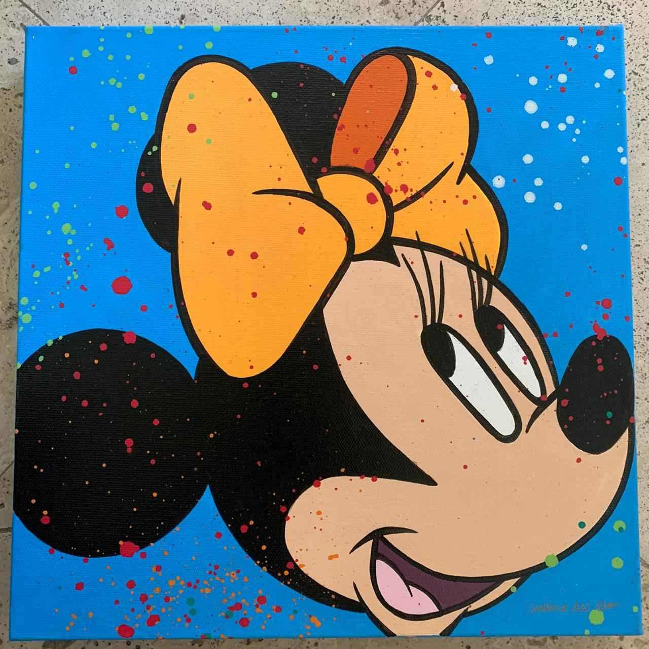 Minnie in Blue