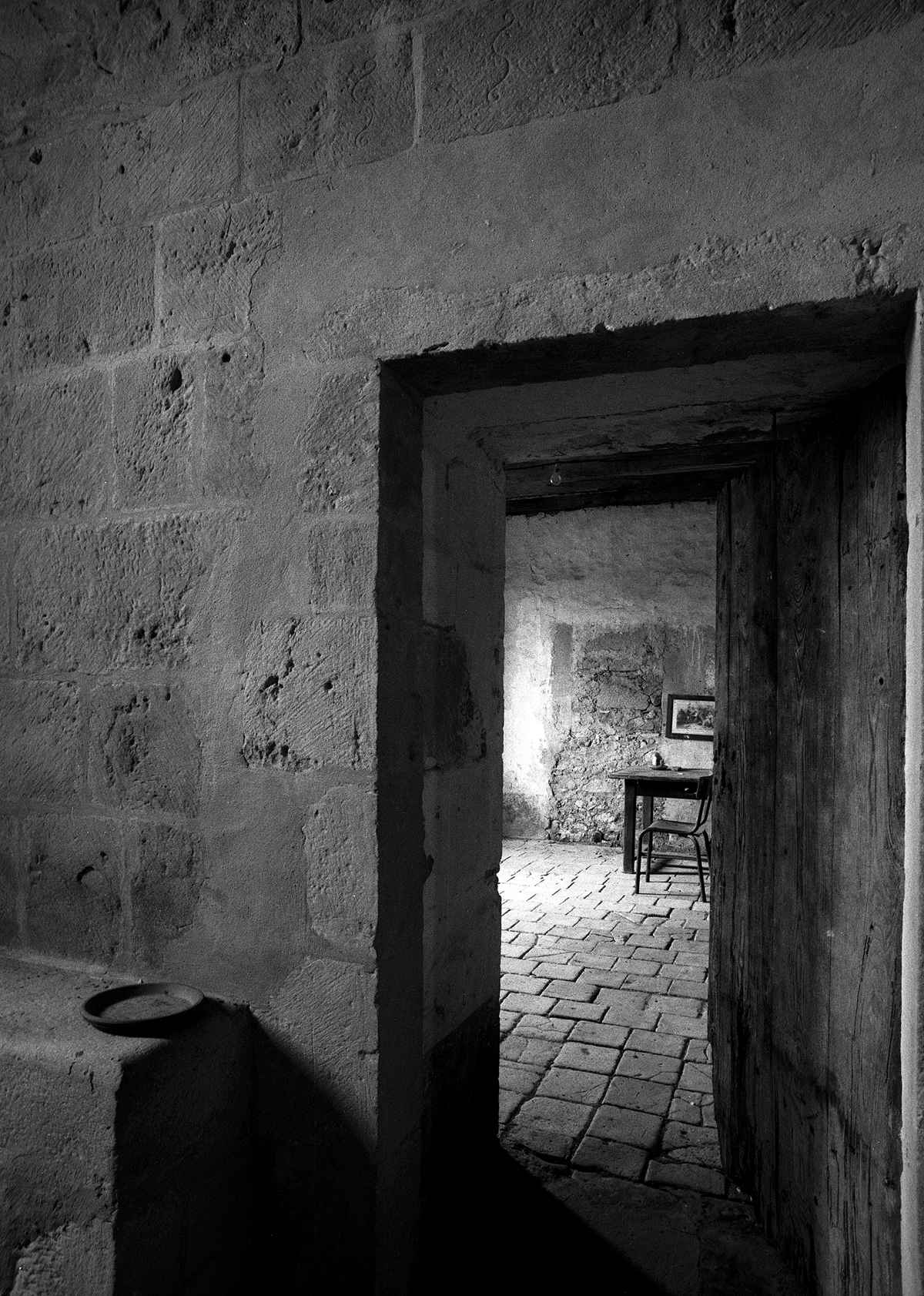 Eglise de Sensacq, Ca...  by  Peter Coffman