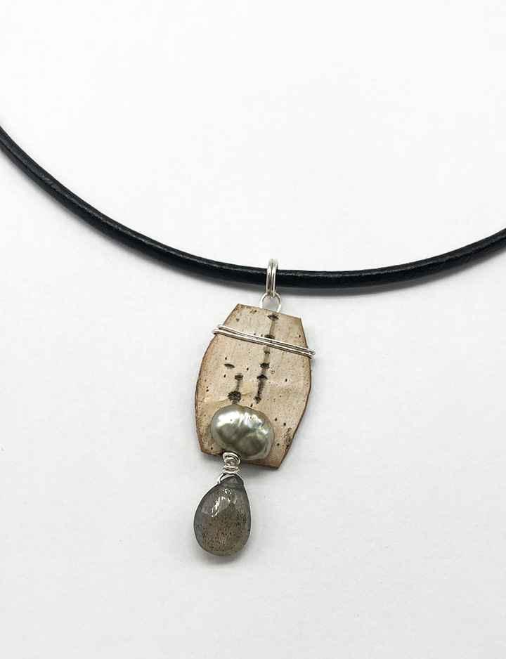 Salon Necklace Birch Bark, Freshwater Pearl and Labradorite on 17