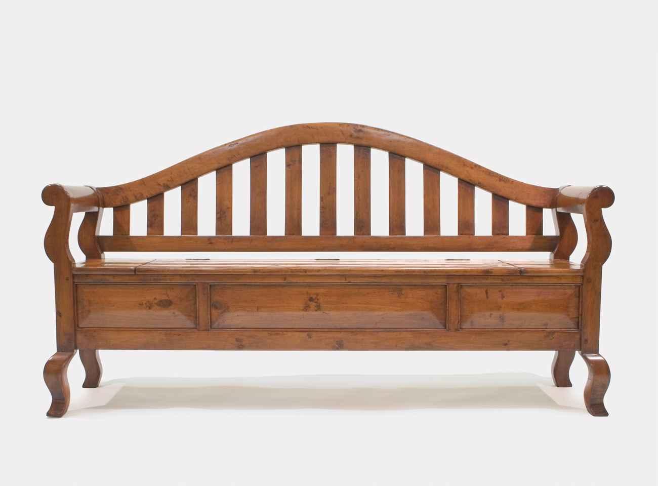Windsor Garden Bench  by  Robert Seliger