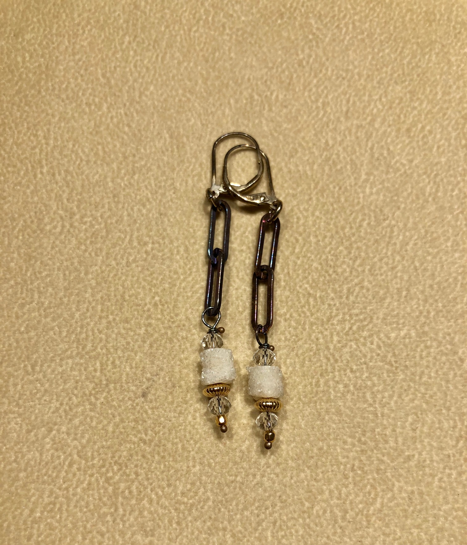 Earring White Druzy Drop (2 link)