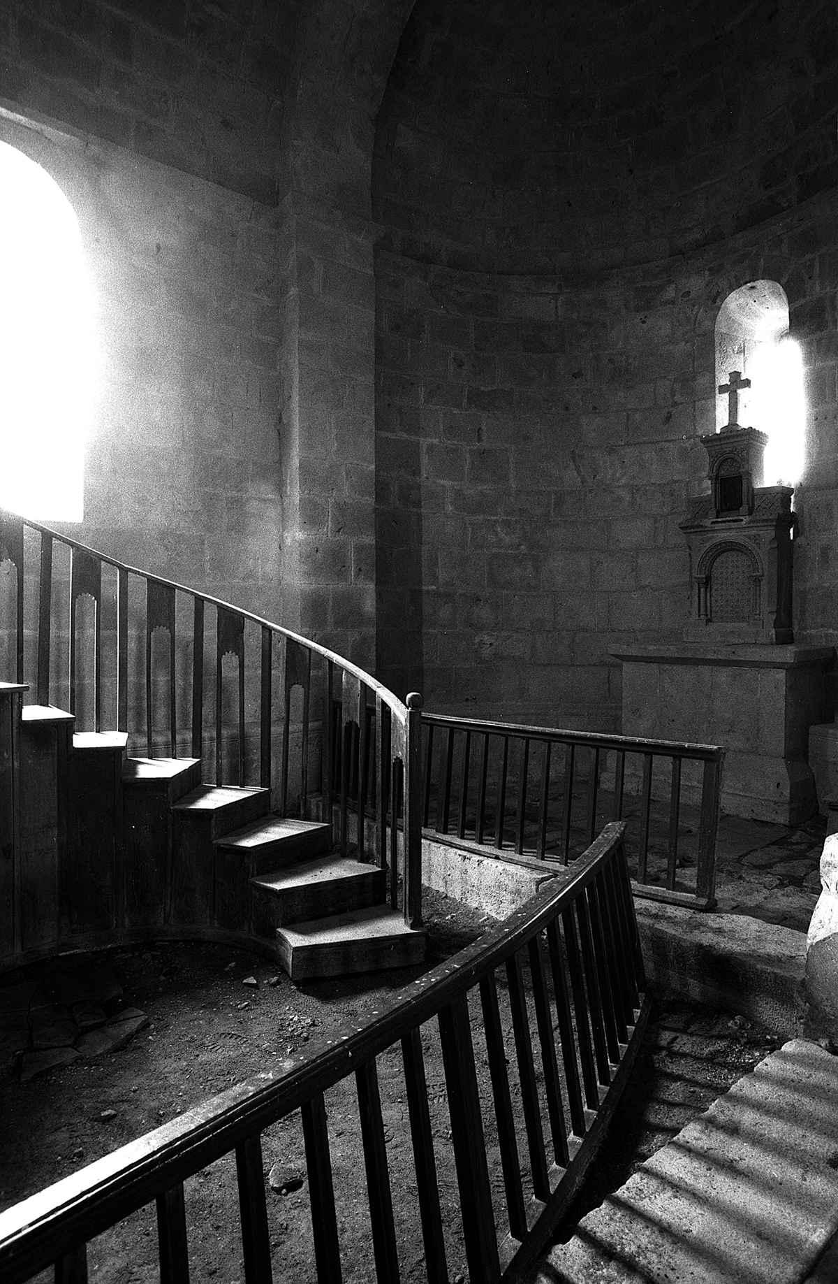 Fragments, Eglise de ...