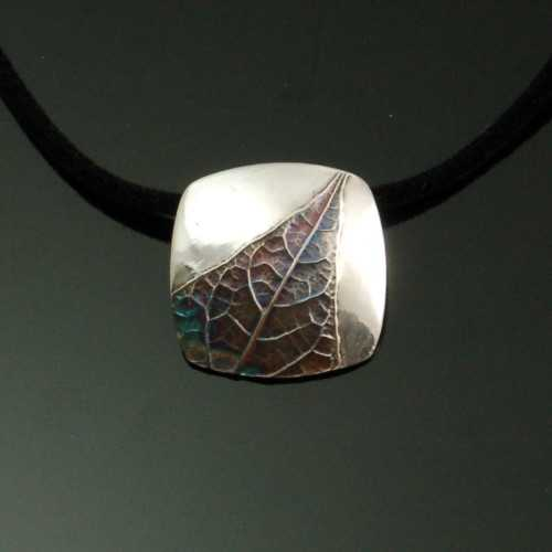 PRE1346 Pendant Fine ... by  Pam East - Masterpiece Online