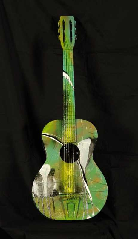 Guitare verte MNQ by  Lisabel  - Masterpiece Online