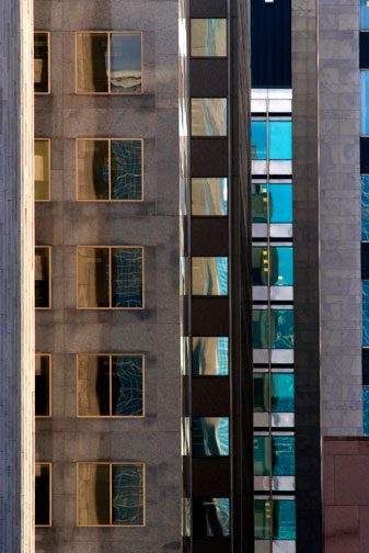 Toronto Skyscraper 79  by  Diane Laundy