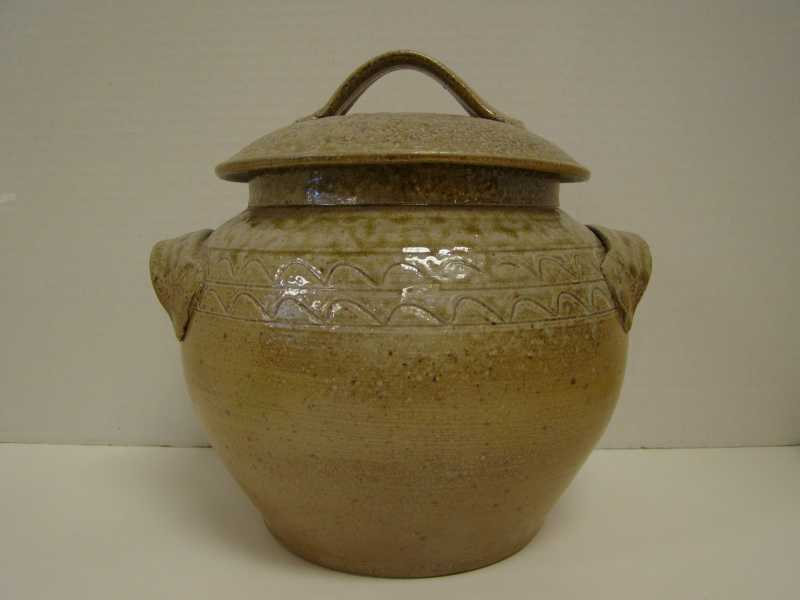 PR003 Bean Pot w/ Lid... by  Patrick Rowe - Masterpiece Online