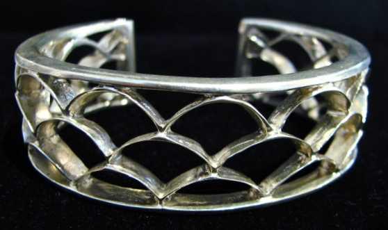 Pahu Bracelet by  Marla Momi Musick - Masterpiece Online