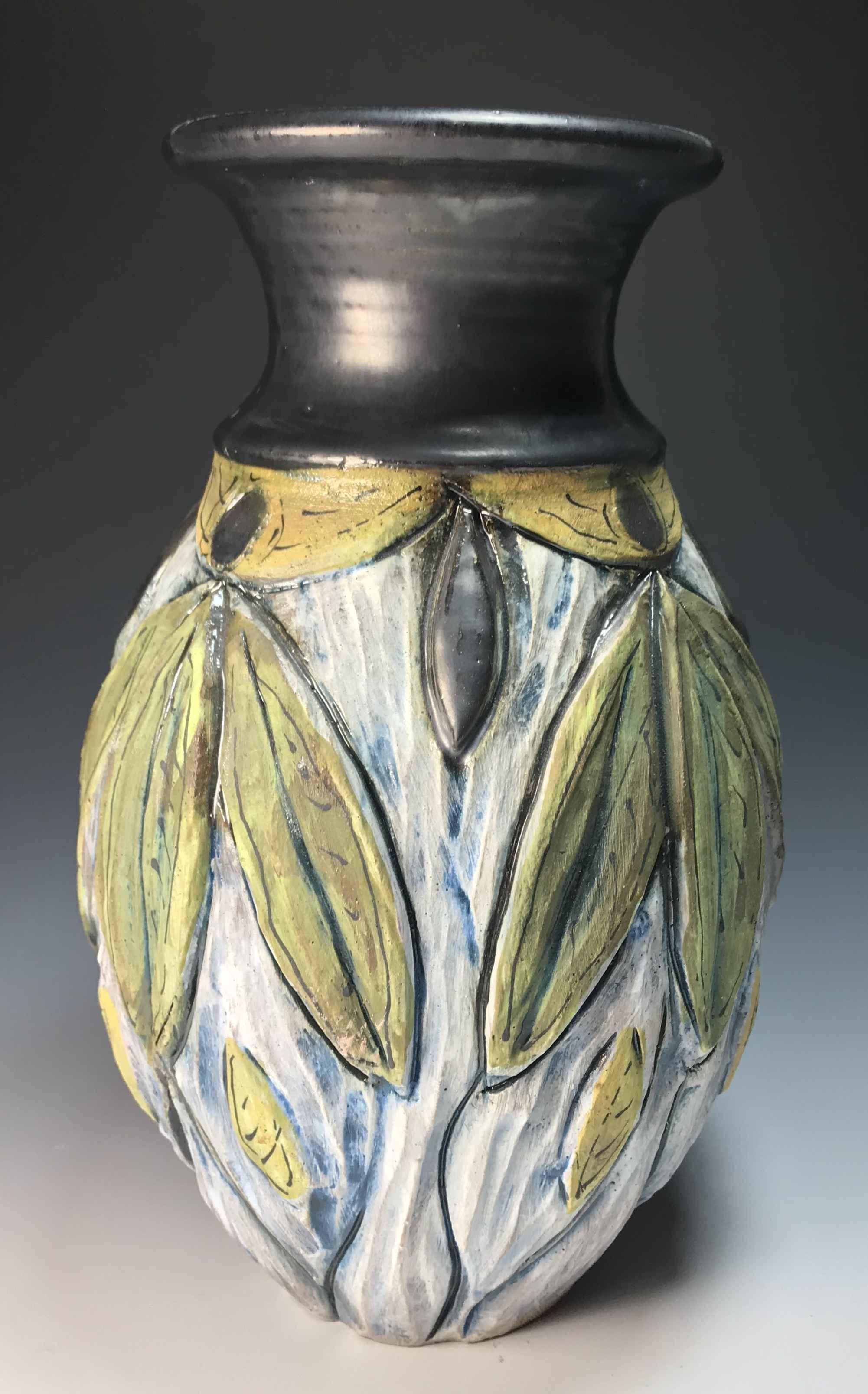 Leaf Vase (green/gold)