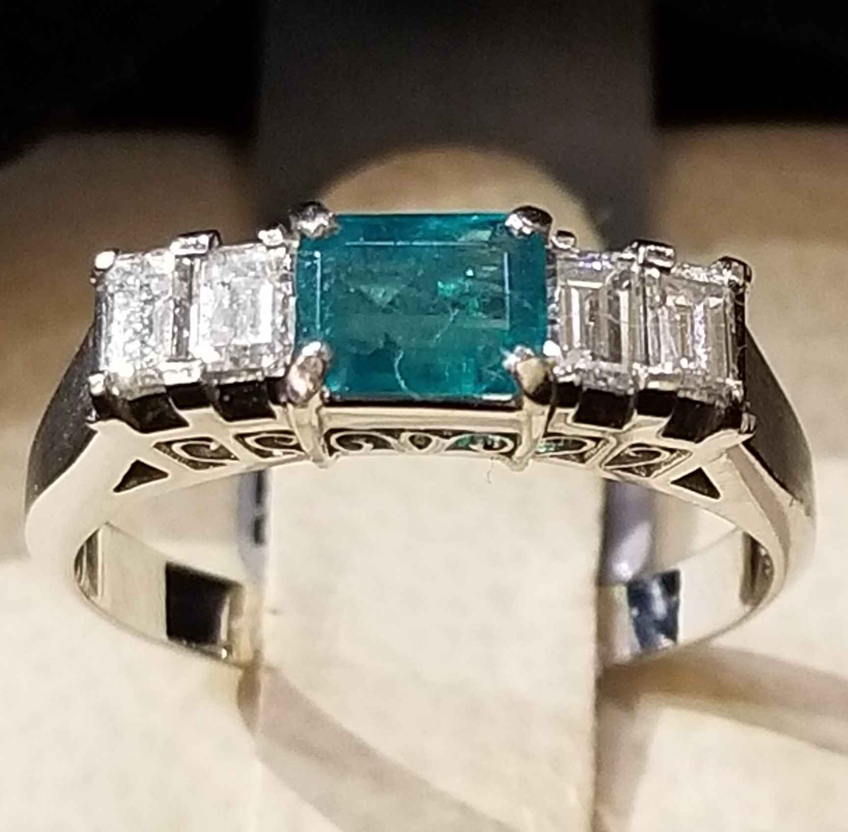 Emerald Ring - Platin... by  My Jeweler - Masterpiece Online