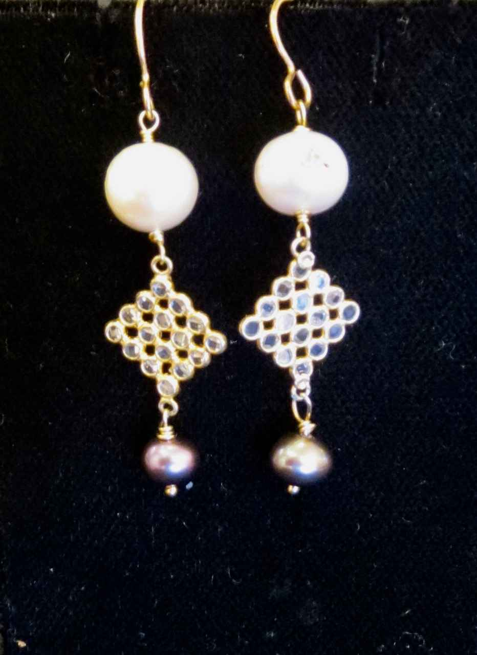 White Pearl & Yellow ... by Mrs. Rebecca Mach - Masterpiece Online