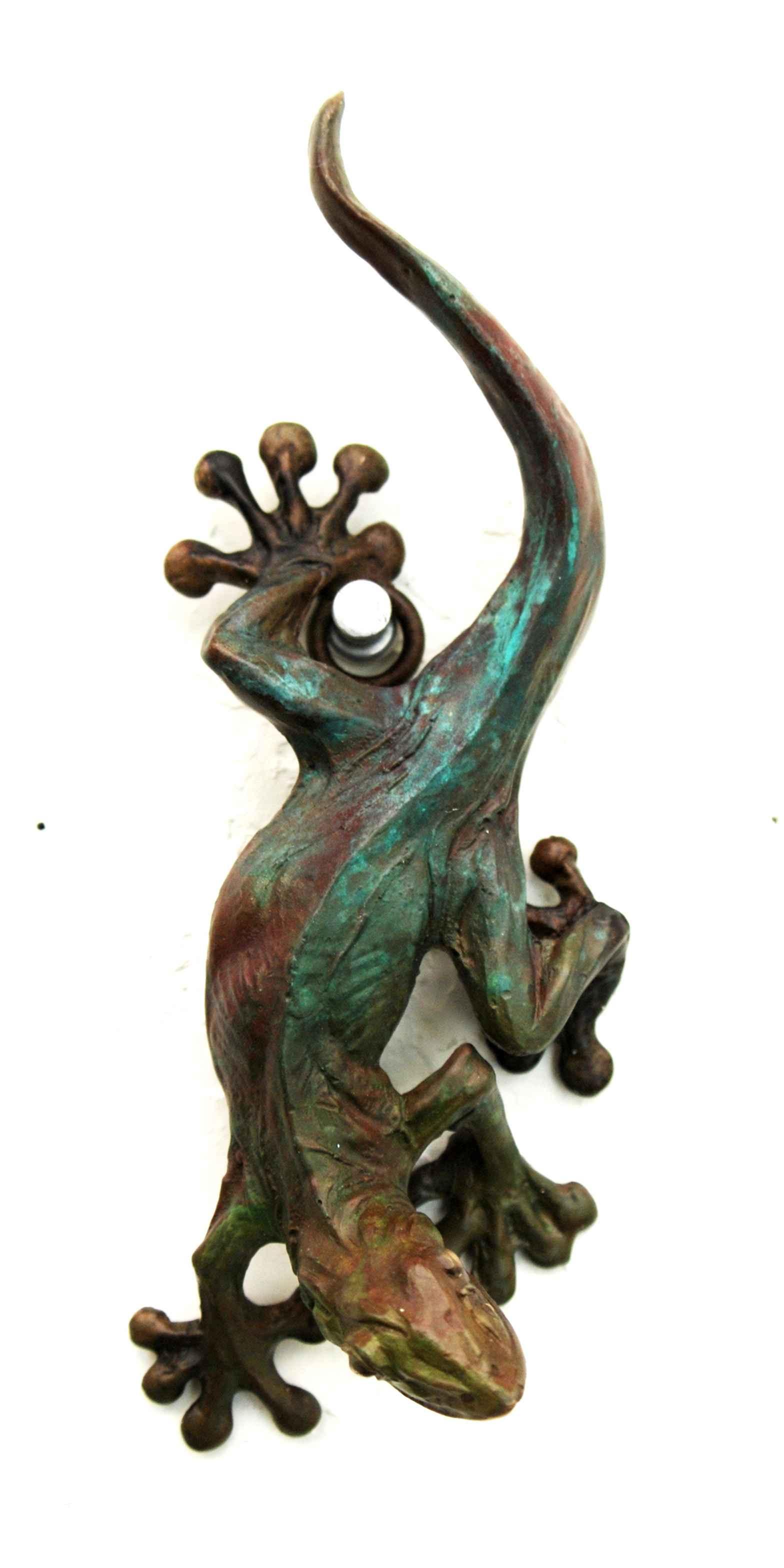 Wall Gecko by  Dan Chen - Masterpiece Online