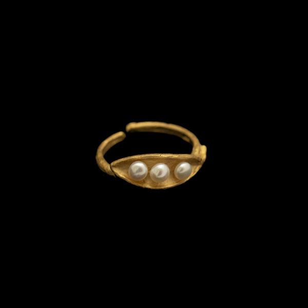 Pea Pod Triple Pearl - Adjustable Ring