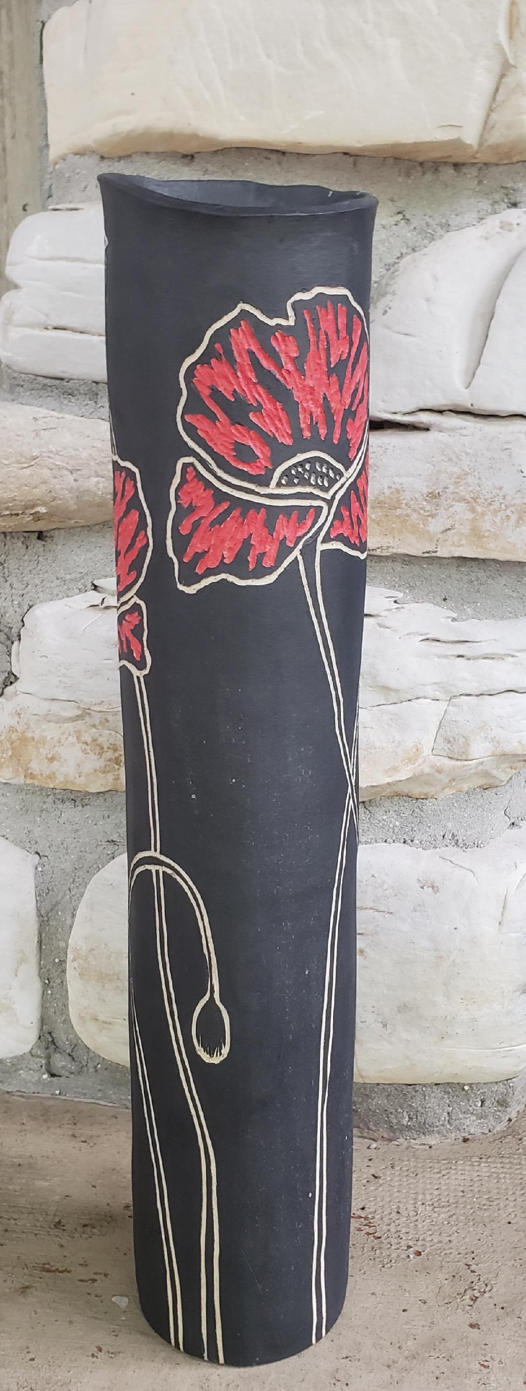 Black Poppy Vase 4