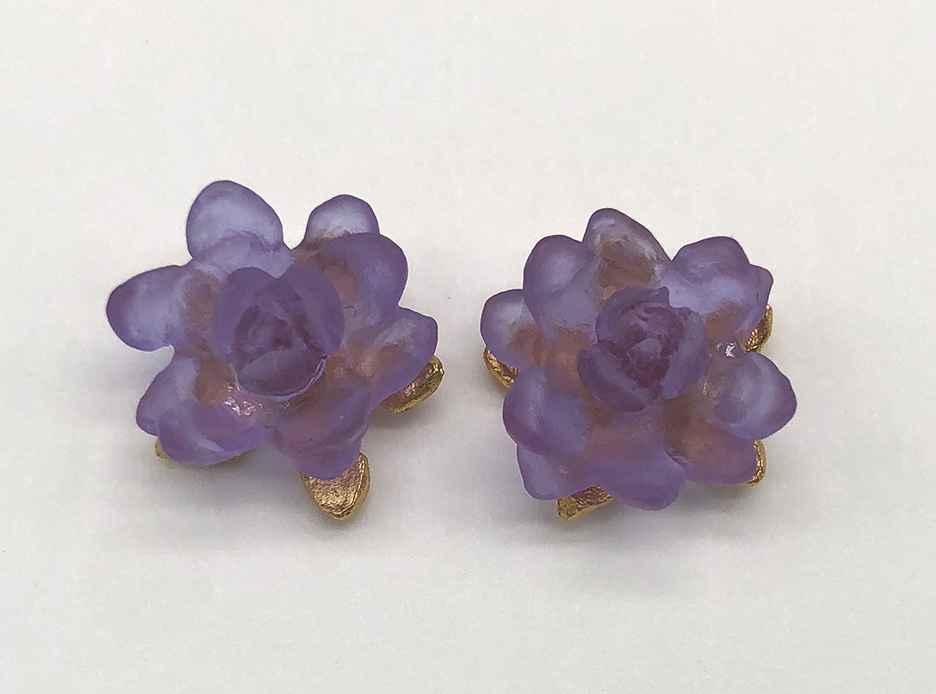 Small Waterlily Post Earrings 1/2